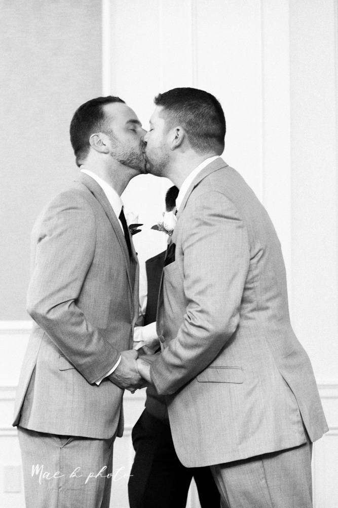 marcus+and+anthony's+intimate+fall+gay+wedding+at+the+avalon+inn+in+warren+ohio+and+buhl+park+in+hermitage+pa+photographed+by+youngstown+wedding+photographer+mae+b+photo-124.jpg