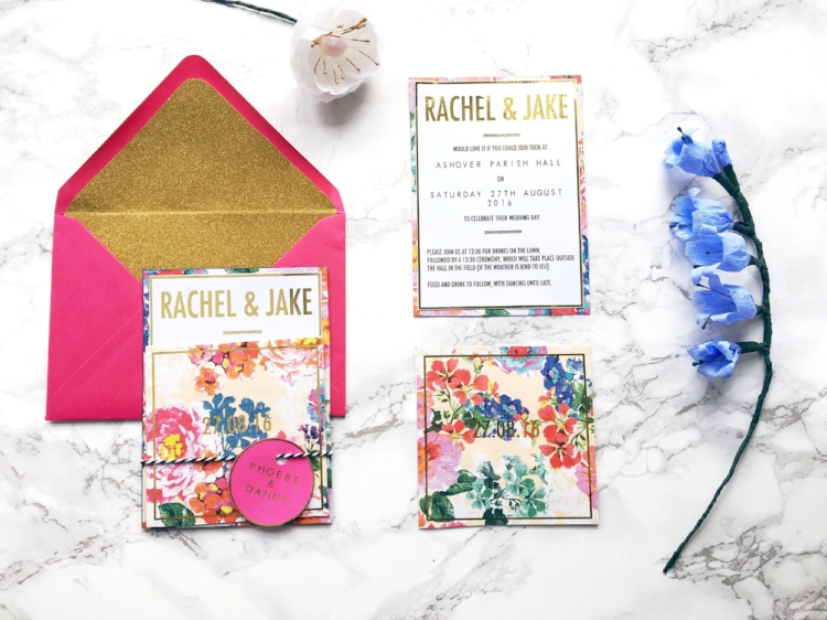 Gold foil and wildflowers are best friends when it comes to wedding invitations.