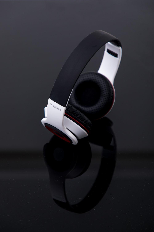2018.06.08 Genesis.Headphones-3080.jpg
