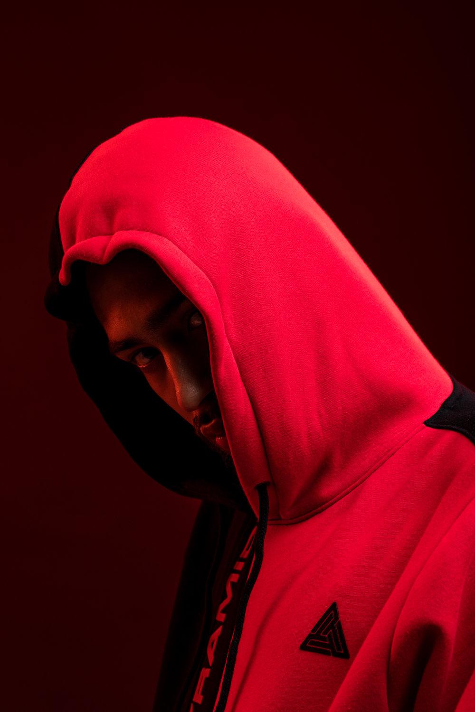 BLACK PYRAMID RED -