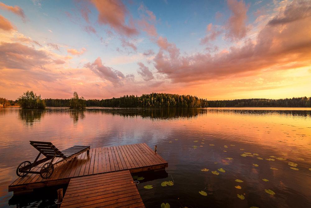 pier-chair-sunset-finland-thomas-drouault-portfolio.jpg