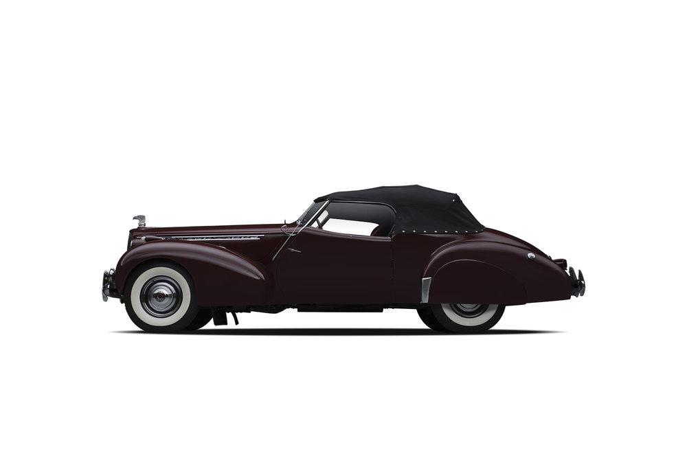 - 1940 Packard Darrin