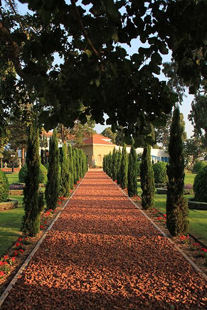Uno de los senderos hacia el Santuario de Bahá'u'lláh