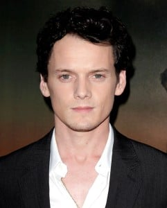 anton-yelchin-screening-fright-night-02