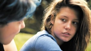 SCREEN-blue-is-the-warmest-color-2013-11-27T21-23-54-825662
