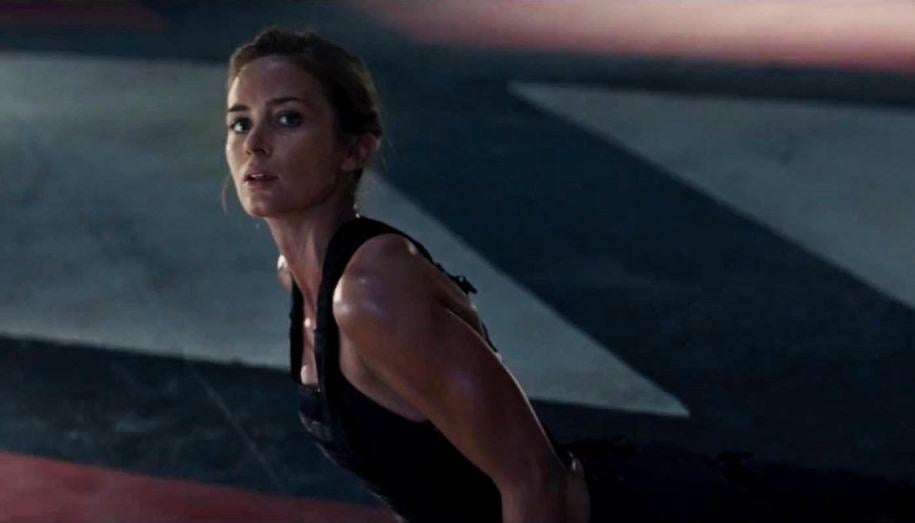 emily-blunt-in-edge-of-tomorrow-movie-1il h
