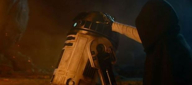 star-wars-force-awakens-trailer-is-this-luke-with-r2-d2