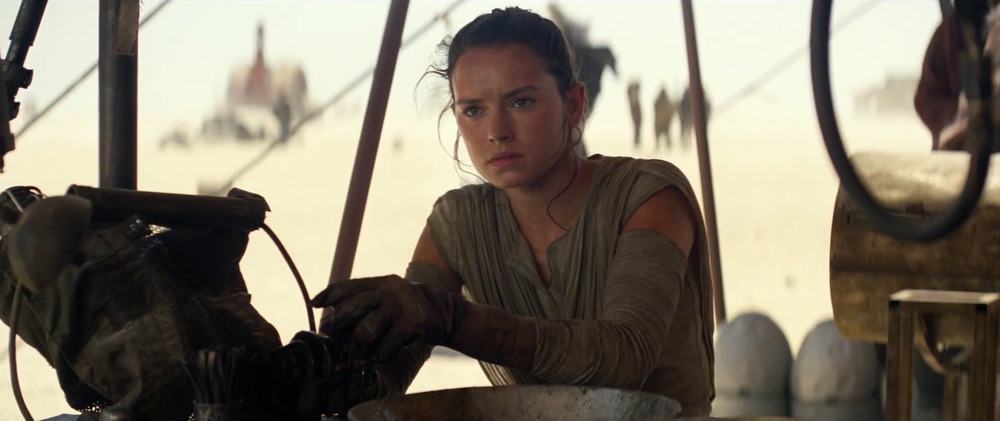 Star-Wars-7-Trailer-3-Rey-Workshop.jpg