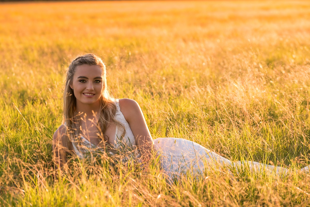 Creations by Jewel_golden fields_Senior pictures.jpg