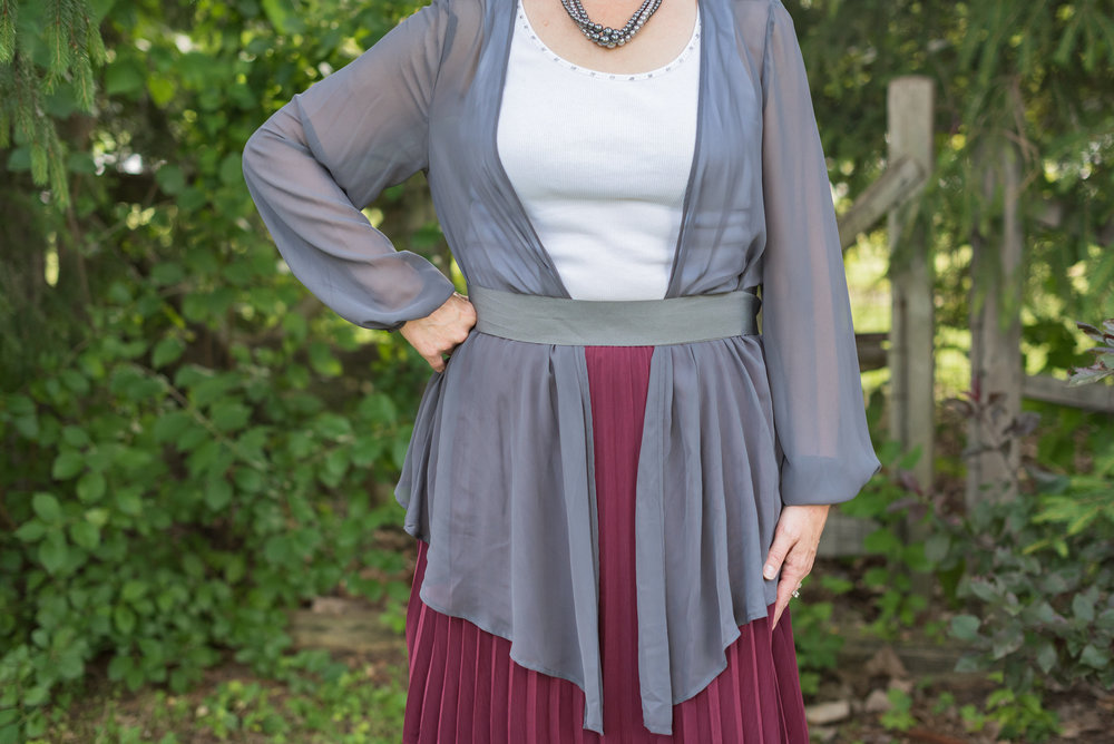 gray-maroon-outfit-15.jpg