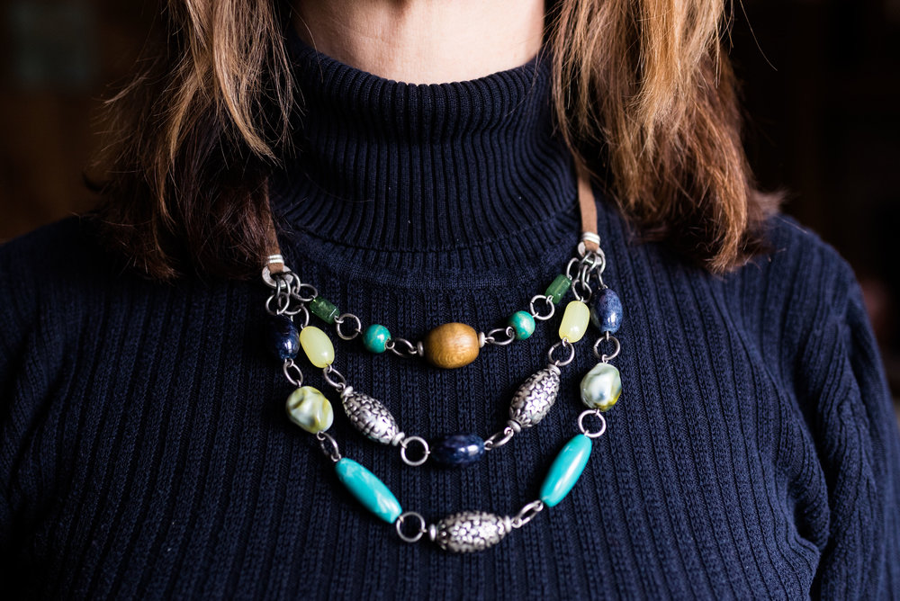 awesome accessory - short bead and metal statement necklace