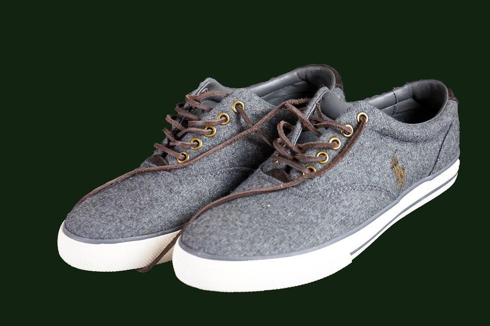 shoes-2400532_1920.jpg