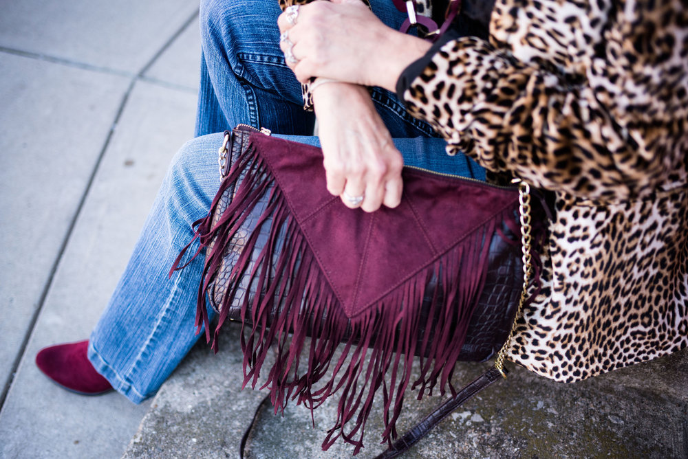 Ordinary Amy - Boot cut jeans and leopard print