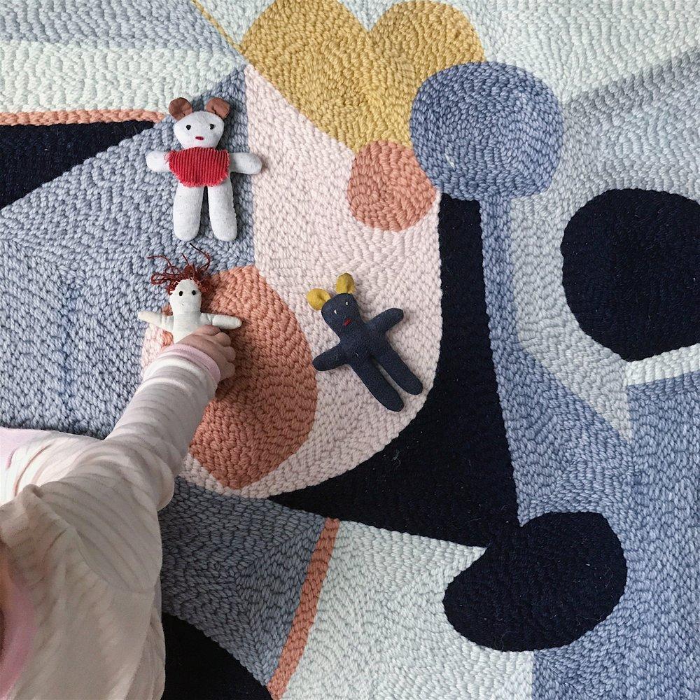 hooked baby rug.JPG