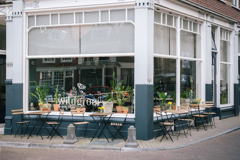 STORE - Wildgroei is an intimate vegetarian/vegan lunchroom and take-away. Located on the Oude Kerkstraat in the heart of Delft, Wildgroei serves fresh coffee and delicious food. As a family business we thrive to have as many people as possible taste, experience and share how conscious food positively influences your life. With our varied menu and seasonal dishes you'll definitely walk out the door with a smile on your face.