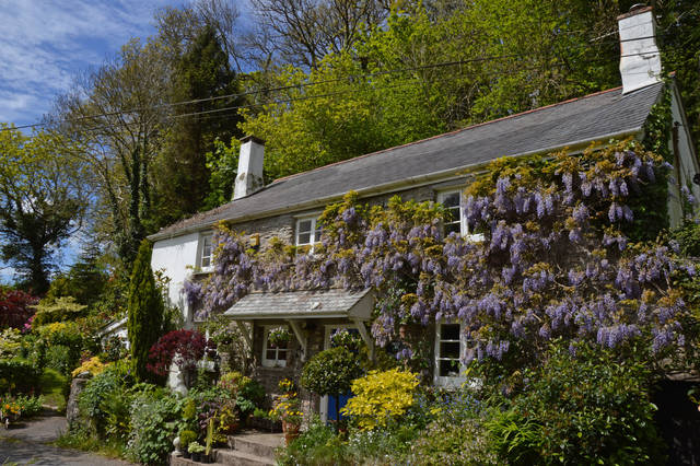 Cozy stone cottage for sale in Devon The Particulars