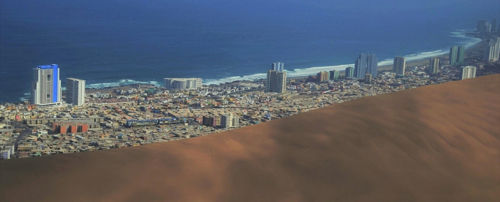 Iquique, caught in between surf and sand.