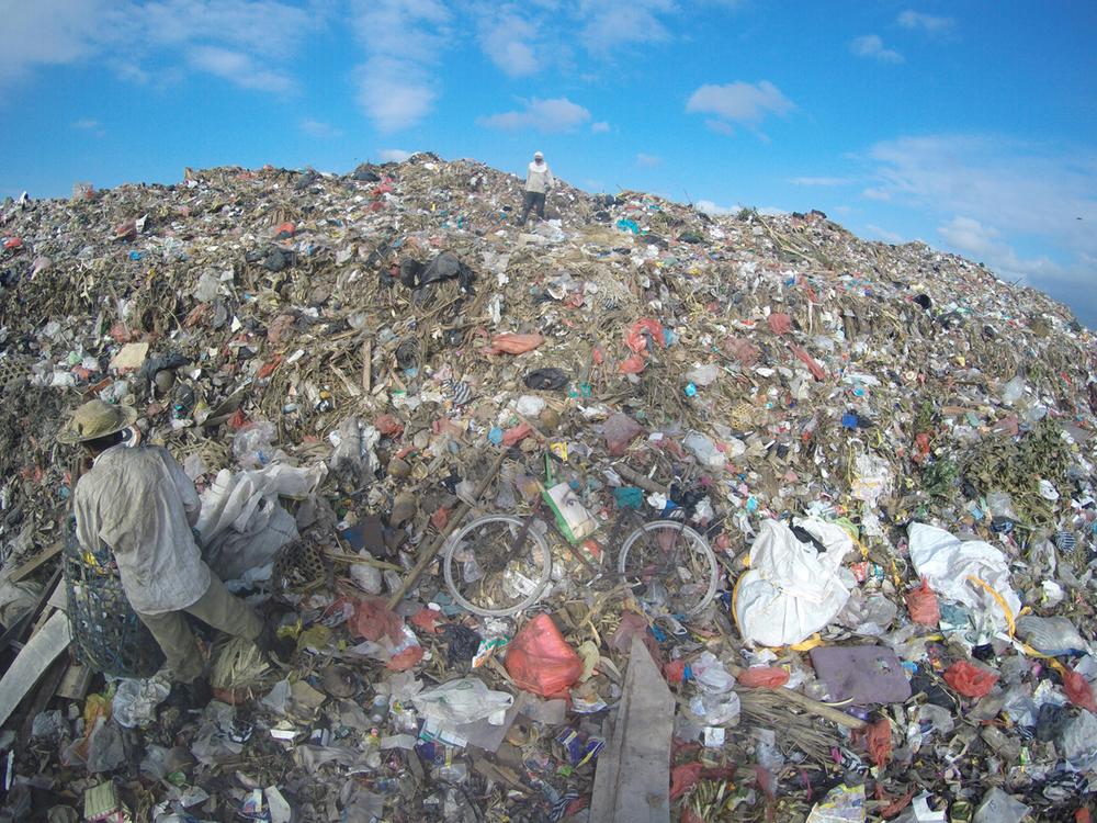 3Serangan dump_Bali2.JPG