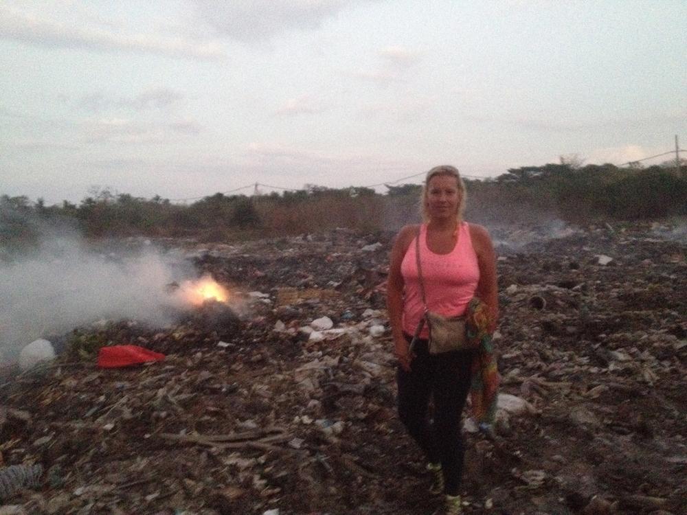14Nusa Lembongan island dump2.JPG