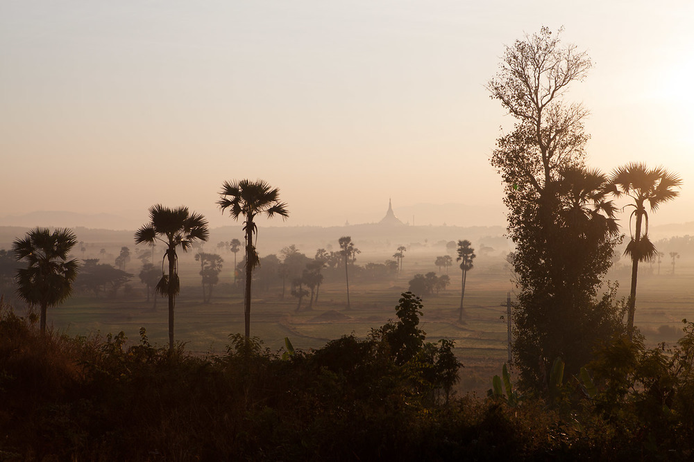 In the distance stands Naypyidaw's Uppatasanti Pagoda, a replica of Rangoon's famous Shwedagon Pagoda.