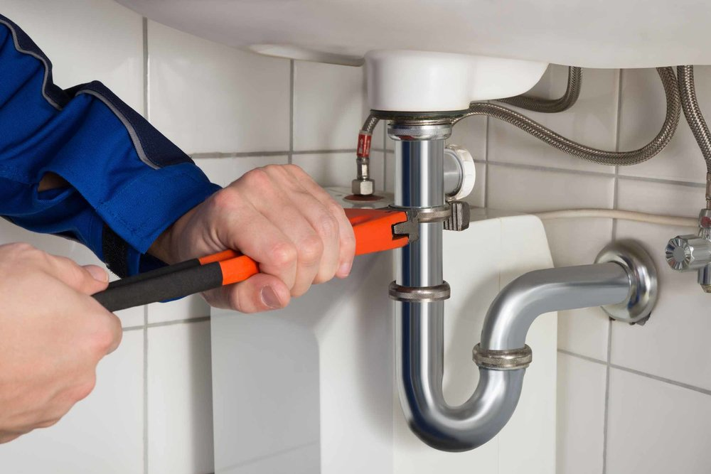 plumber_working.jpg