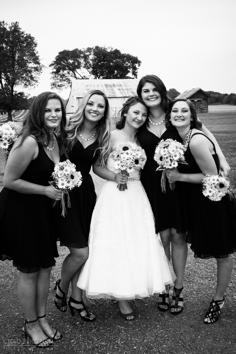 B&W bridesmaids