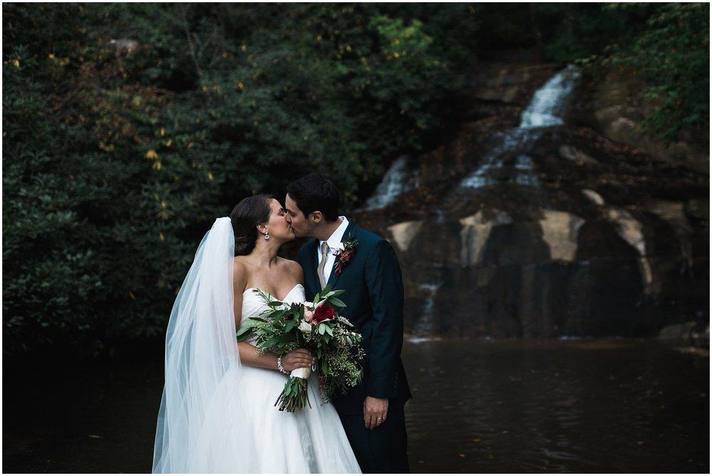 Kissing at Chota falls