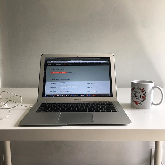 Never miss a thing. Storms had the internet down in Hancock and Granville, but our members were able to make it in to V.W for a full days work - conference calls and all. 🌩⛈🌧🌦🌥⛅️🌤☀️ #remote #remotework #remotejobs #remoteworkhere #coworkingspace #coworkhere #coworking #madrivervalley #mrv #vt #vermont