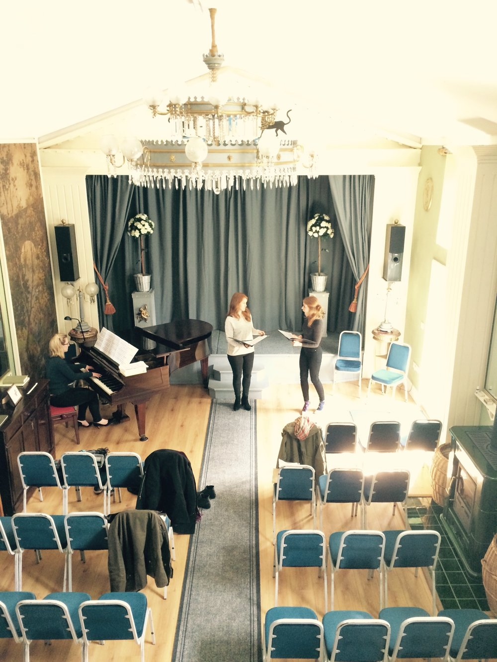 Natalie Burch (piano), Claire Lees (soprano) and Natalie Davies (mezzo-soprano) rehearse at Aeolian Court for 2016's Festival.