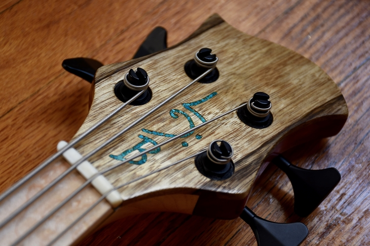 LowDown Bass Guitars