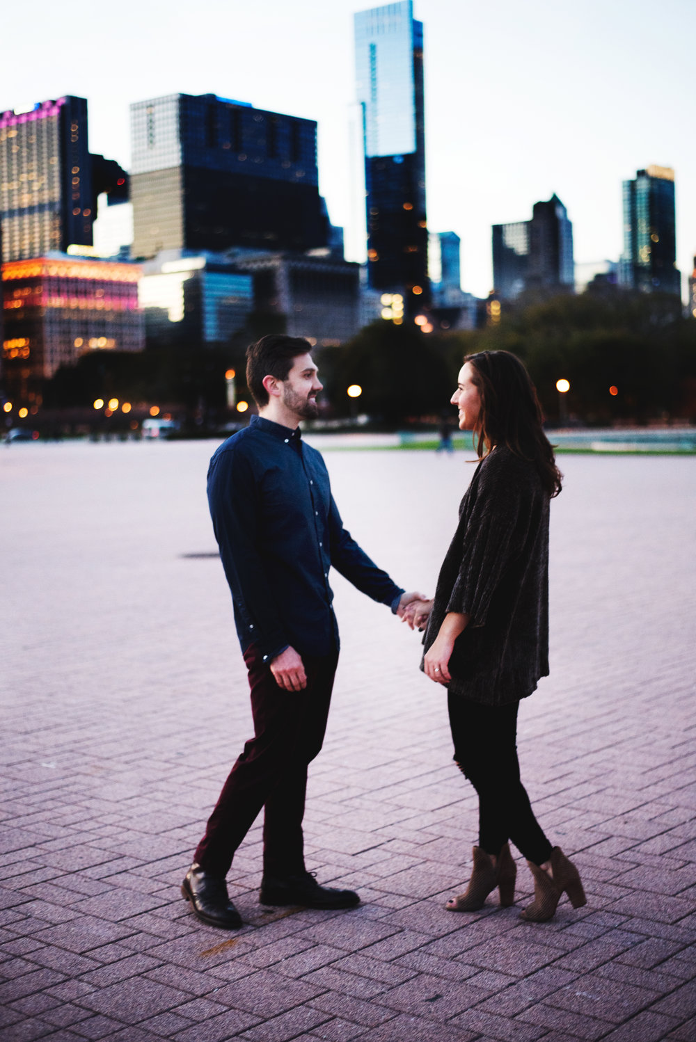 Chicago-Fall-Engagement-Session_0154.jpg