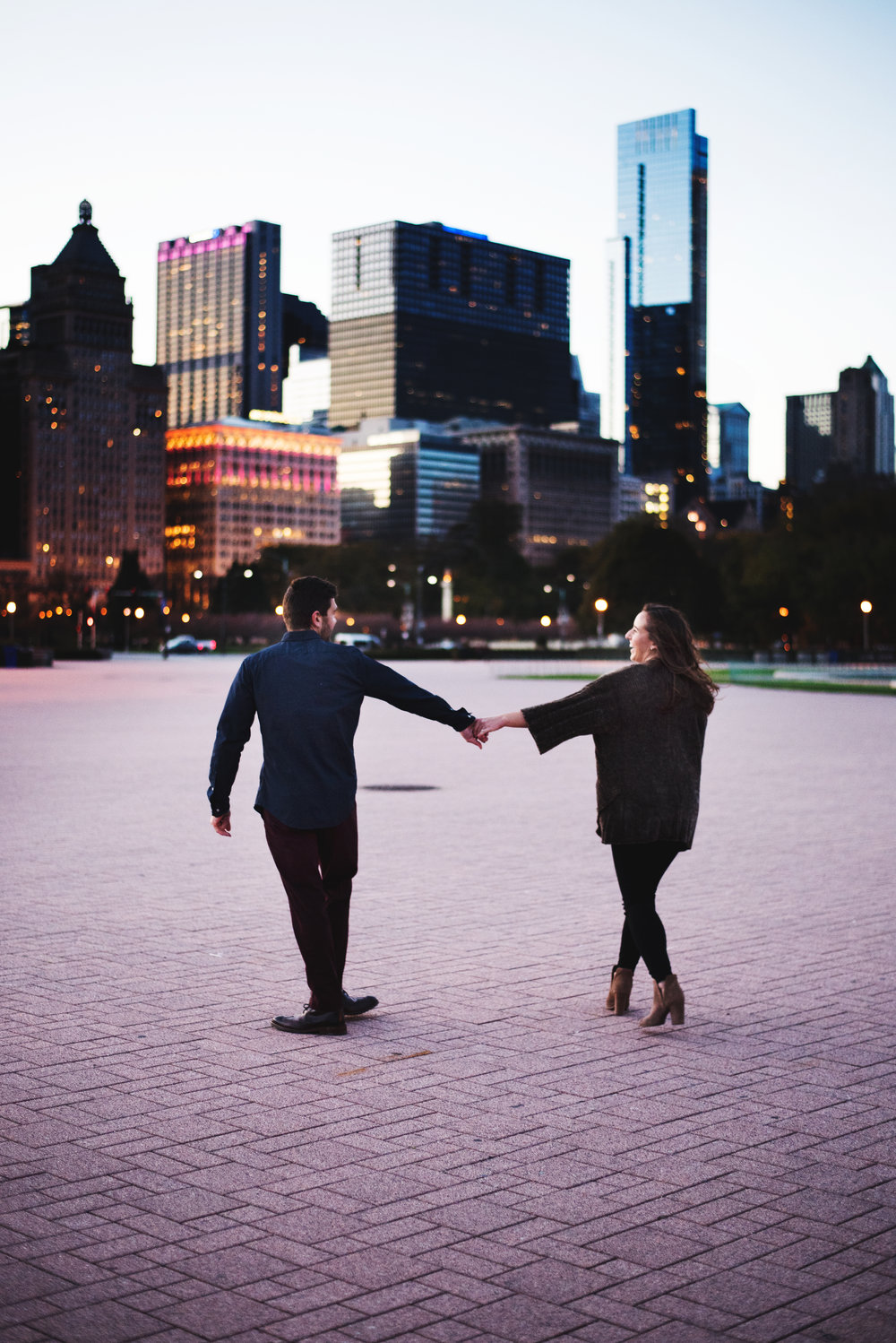 Chicago-Fall-Engagement-Session_0158.jpg