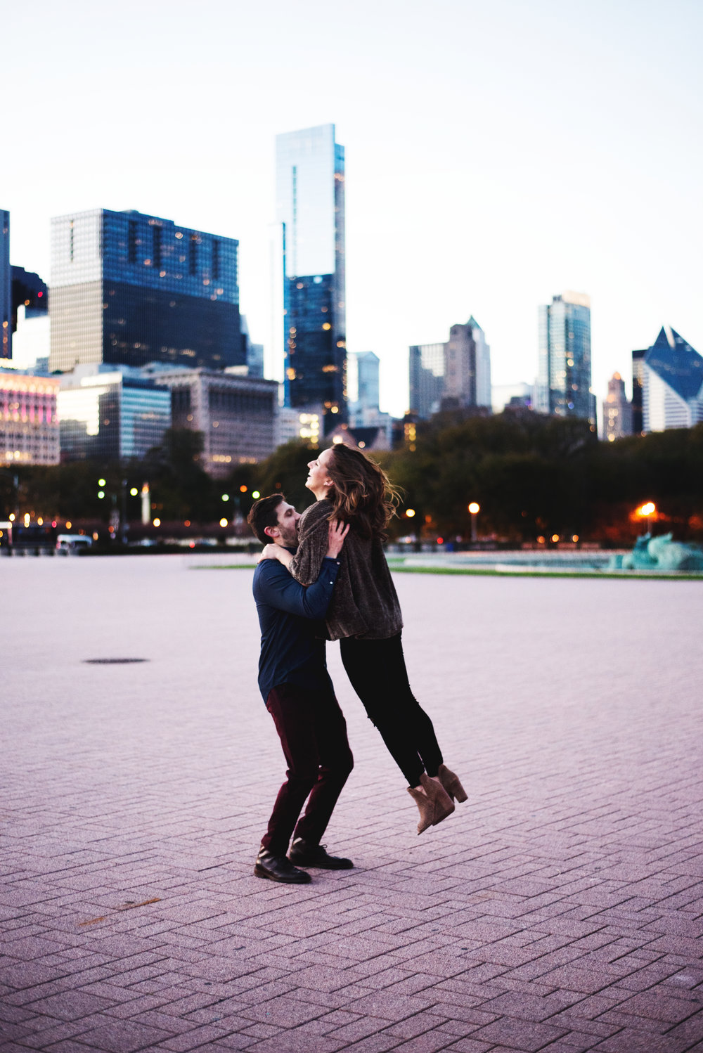 Chicago-Fall-Engagement-Session_0160.jpg