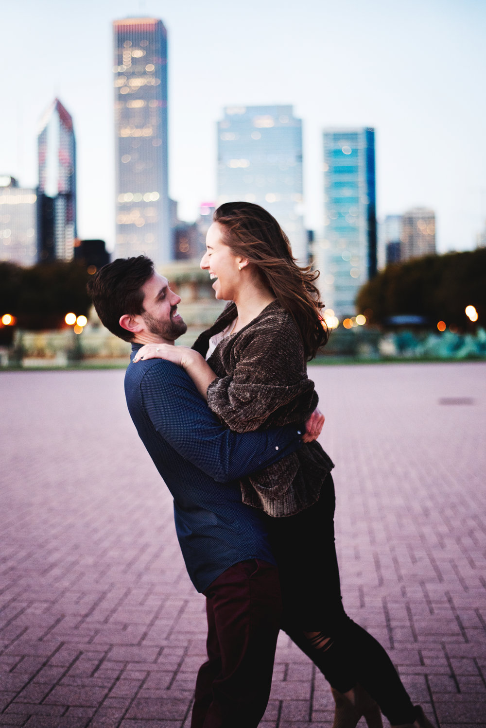 Chicago-Fall-Engagement-Session_0162.jpg