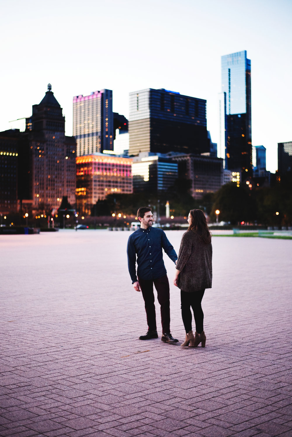 Chicago-Fall-Engagement-Session_0155.jpg