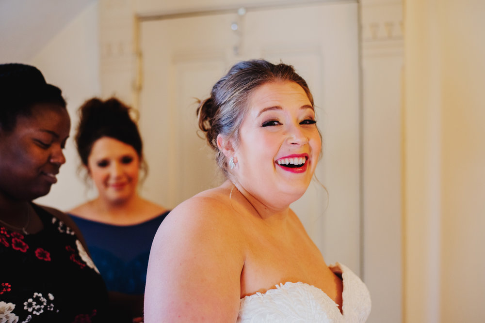 Moreno-Briskey-Renwick-Mansion-Iowa-Wedding_0040.jpg