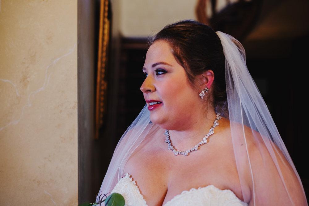 Moreno-Briskey-Renwick-Mansion-Iowa-Wedding_0050.jpg