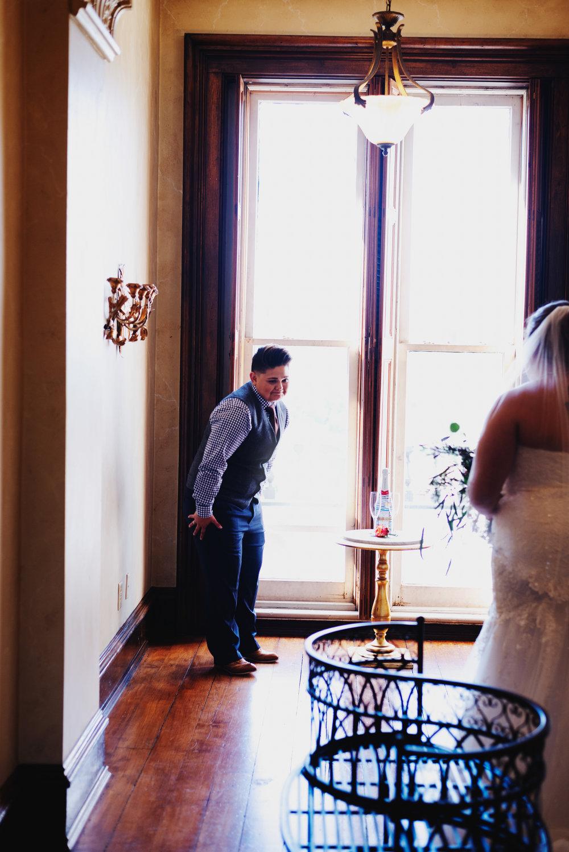 Moreno-Briskey-Renwick-Mansion-Iowa-Wedding_0051.jpg
