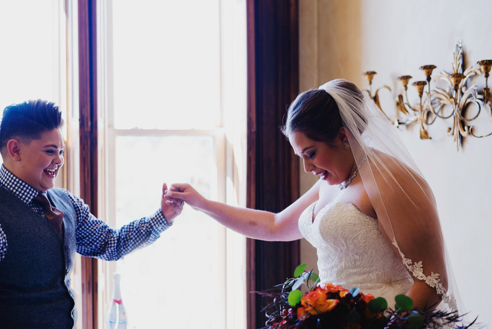 Moreno-Briskey-Renwick-Mansion-Iowa-Wedding_0053.jpg