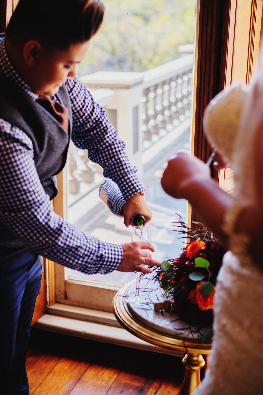 Moreno-Briskey-Renwick-Mansion-Iowa-Wedding_0056.jpg