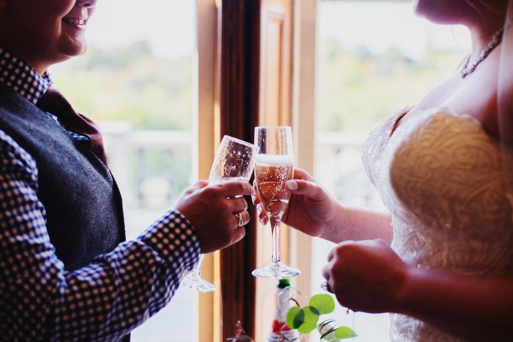 Moreno-Briskey-Renwick-Mansion-Iowa-Wedding_0059.jpg