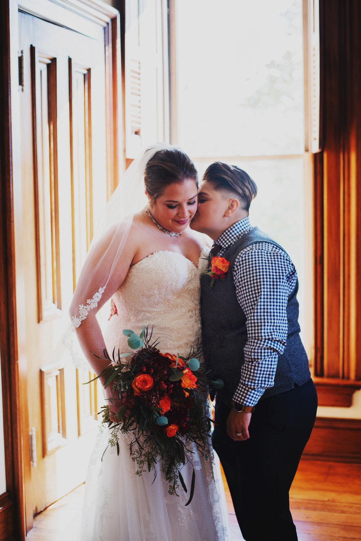 Moreno-Briskey-Renwick-Mansion-Iowa-Wedding_0079.jpg