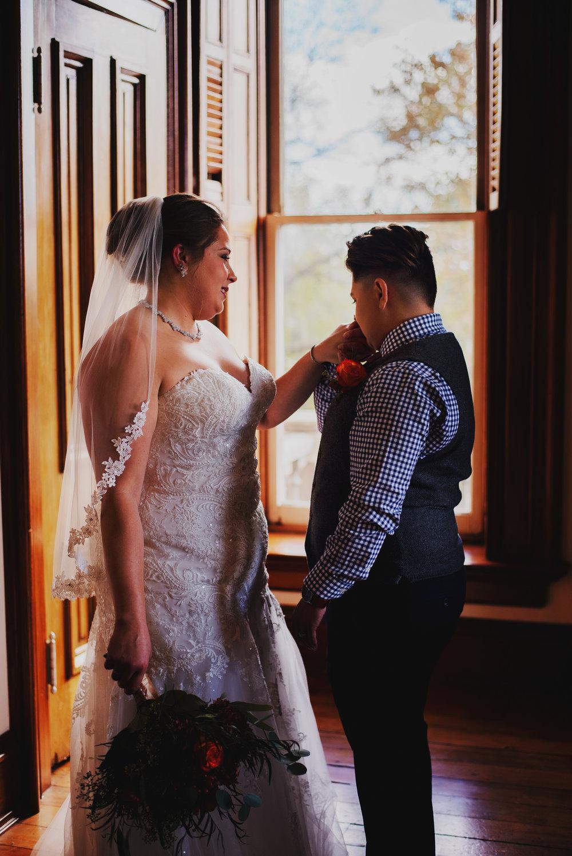 Moreno-Briskey-Renwick-Mansion-Iowa-Wedding_0078.jpg