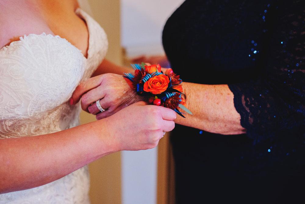 Moreno-Briskey-Renwick-Mansion-Iowa-Wedding_0092.jpg