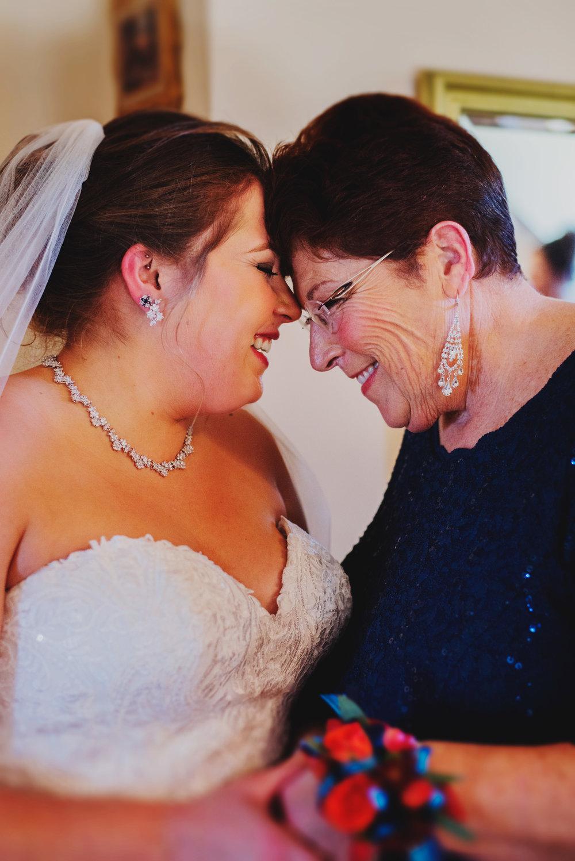Moreno-Briskey-Renwick-Mansion-Iowa-Wedding_0093.jpg