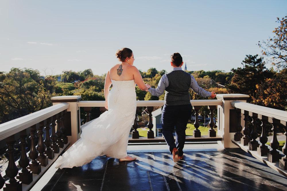 Moreno-Briskey-Renwick-Mansion-Iowa-Wedding_0104.jpg