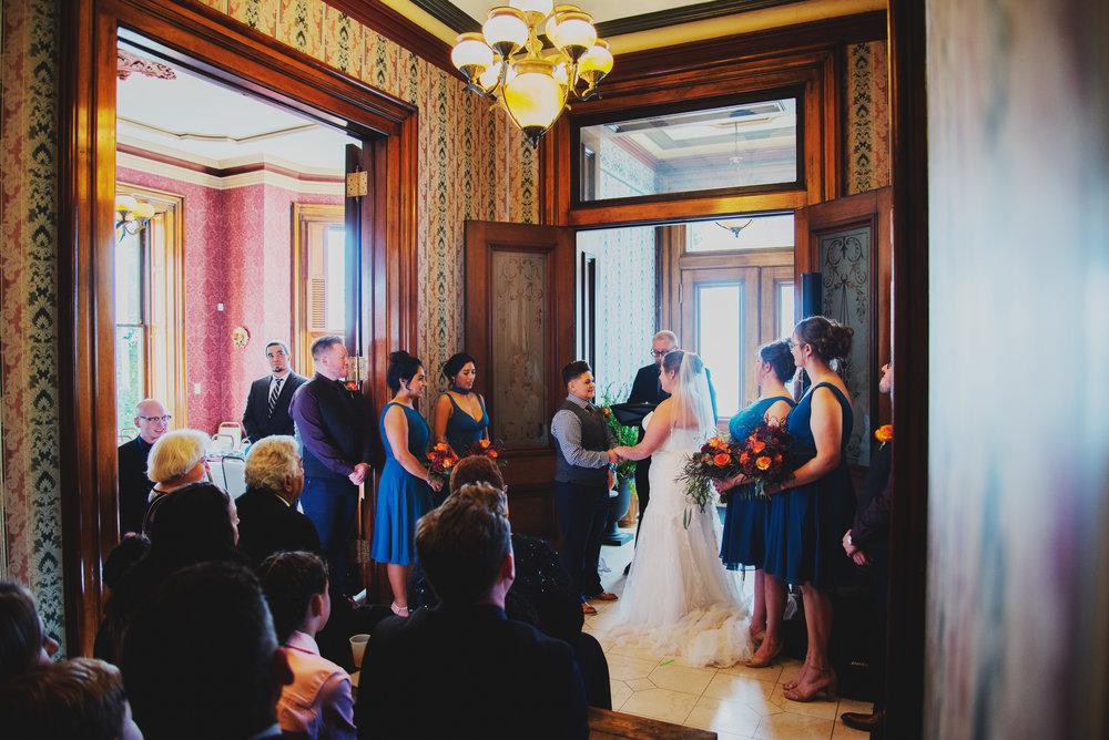 Moreno-Briskey-Renwick-Mansion-Iowa-Wedding_0115.jpg