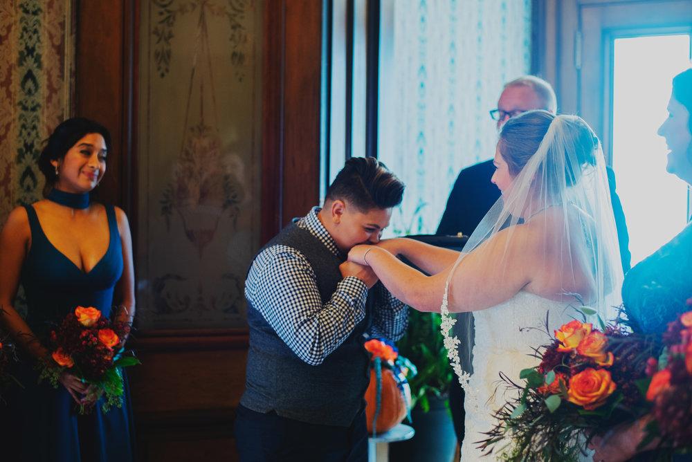 Moreno-Briskey-Renwick-Mansion-Iowa-Wedding_0121.jpg