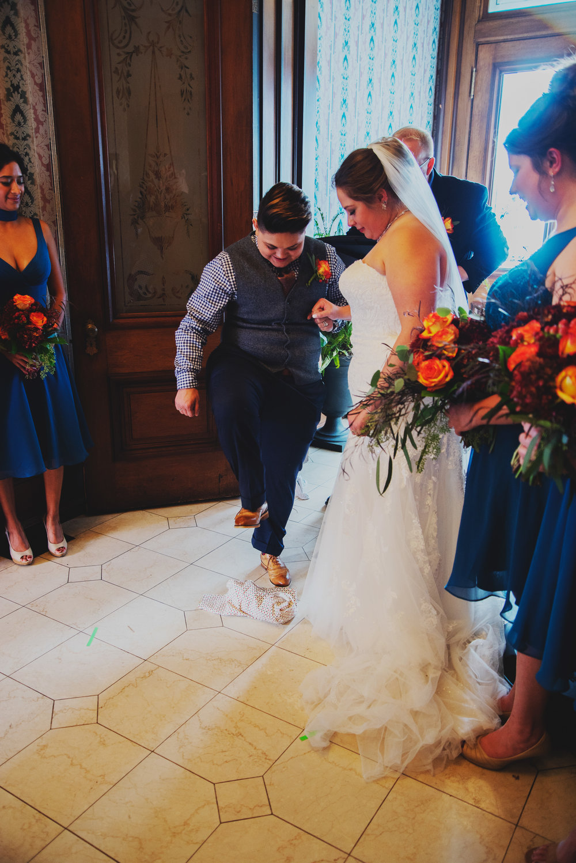 Moreno-Briskey-Renwick-Mansion-Iowa-Wedding_0133.jpg