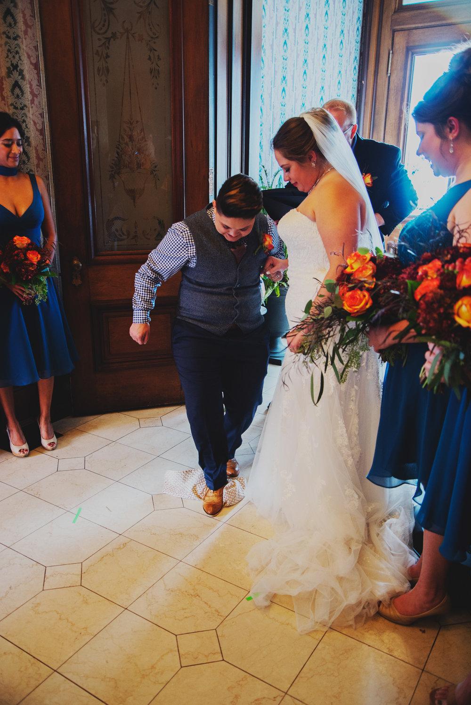 Moreno-Briskey-Renwick-Mansion-Iowa-Wedding_0134.jpg
